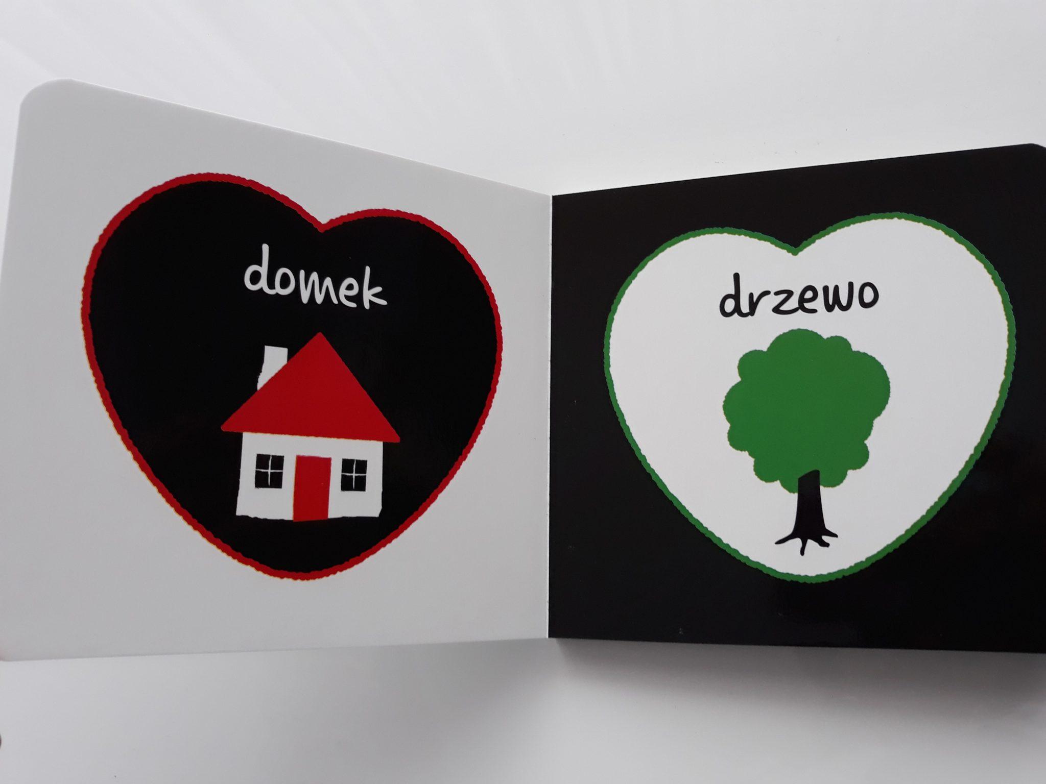 Książki dla niemowląt czarno-białe pokazujące świat otaczający maluszka (domek, drzewo, auto).