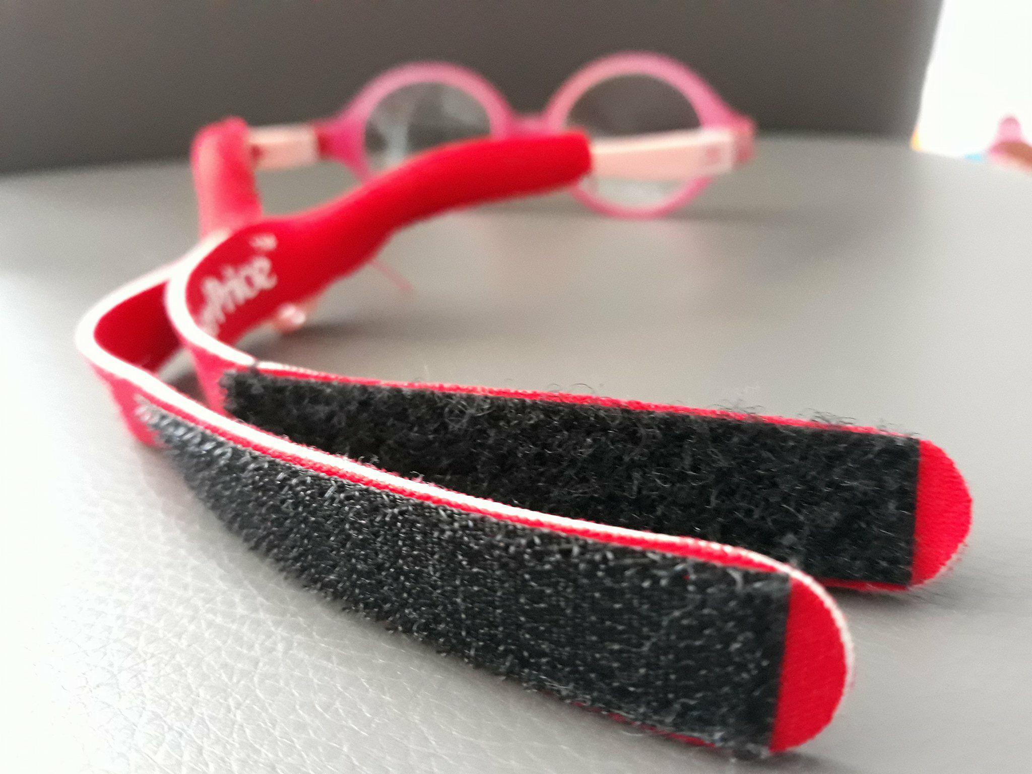 Bezpieczne okulary dla niemowląt zapinane nagumkę Fisher Price