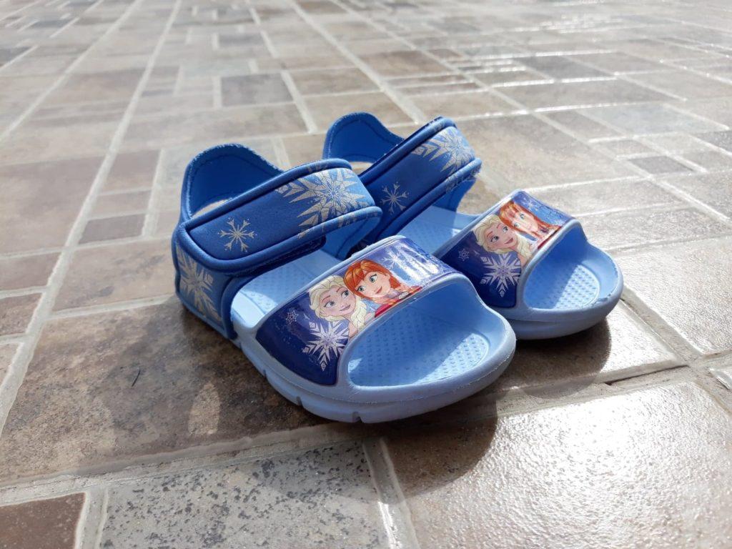 Buty dowody dla dzieci, sandałki pankowe CCC.