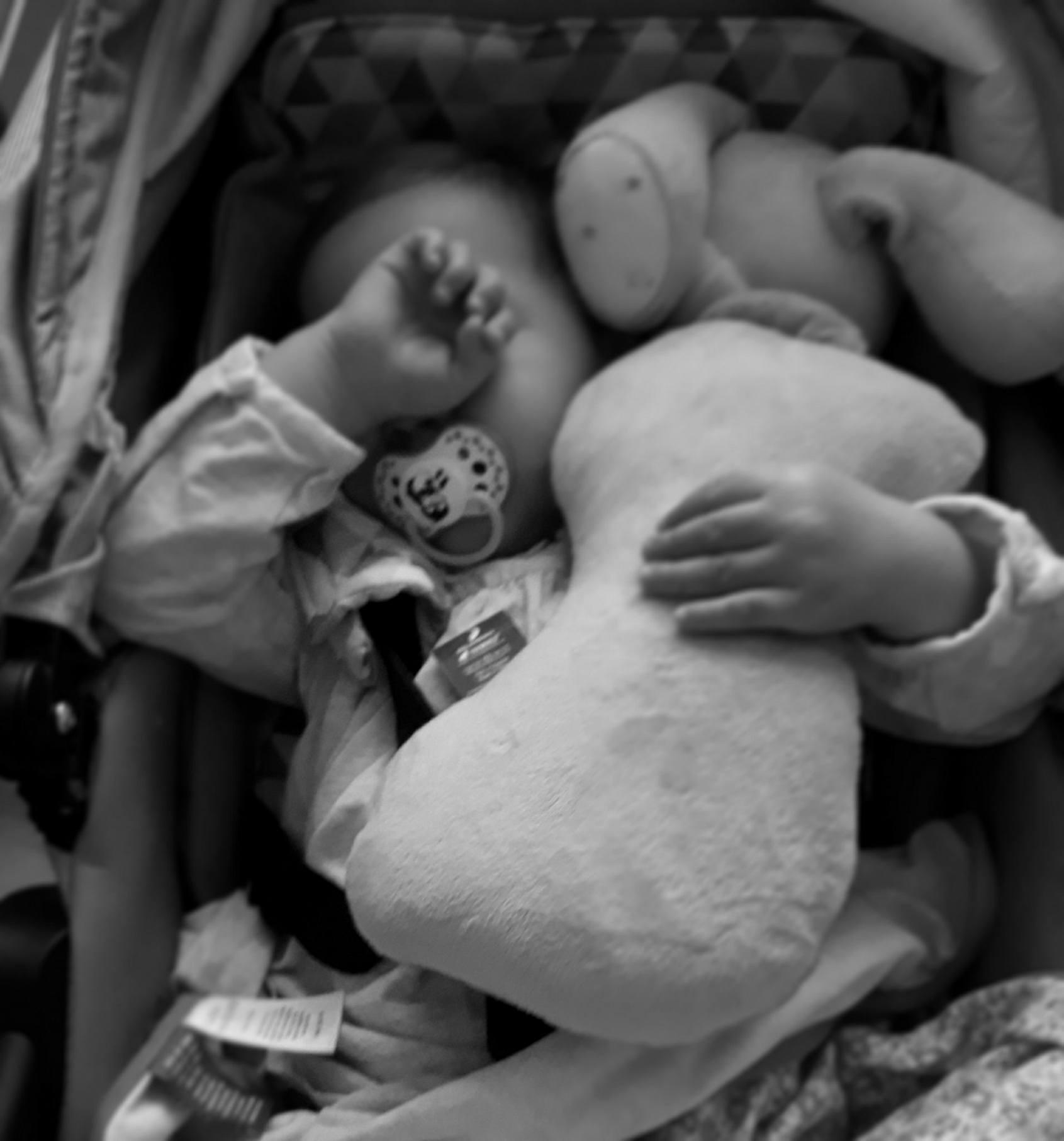 Sen dziecka. 10 przyczyn pobudek.