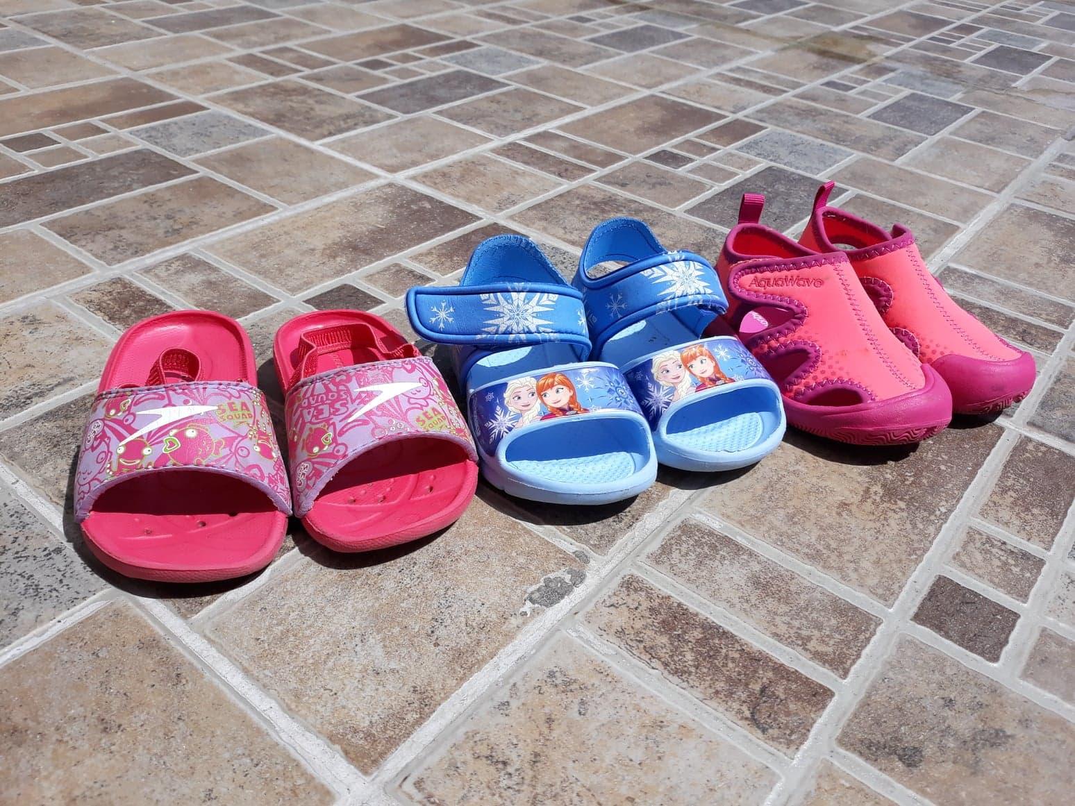 Buty dla dzieci do wody i na plażę.