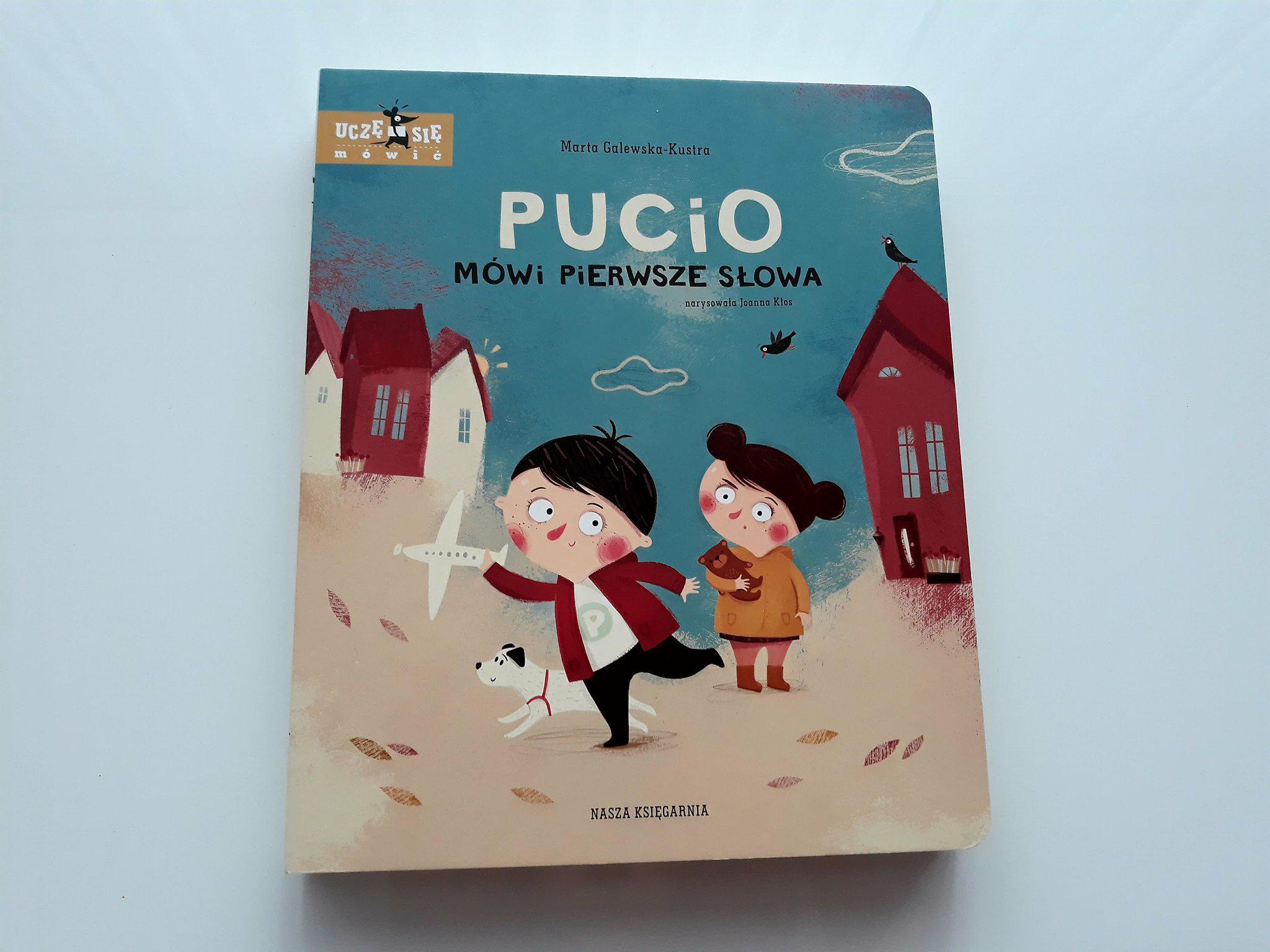 Pucio mówi pierwsze słowa recenzja.