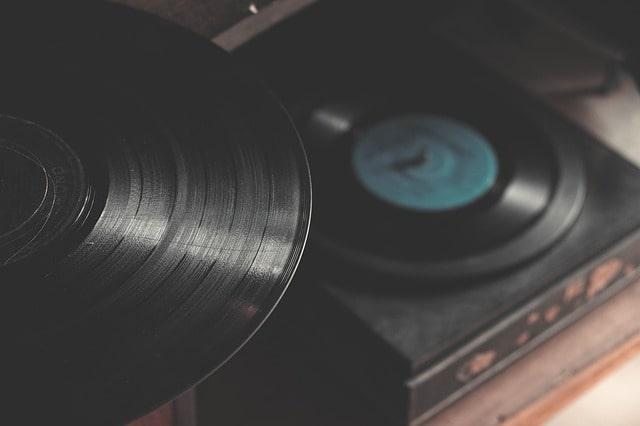 Wpływ muzyki na dzieci. Gramofon.