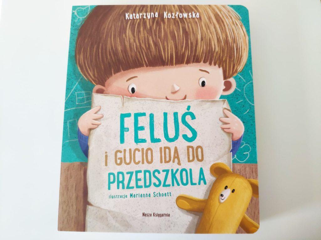 Feluś iGucio idą doprzedszkola.
