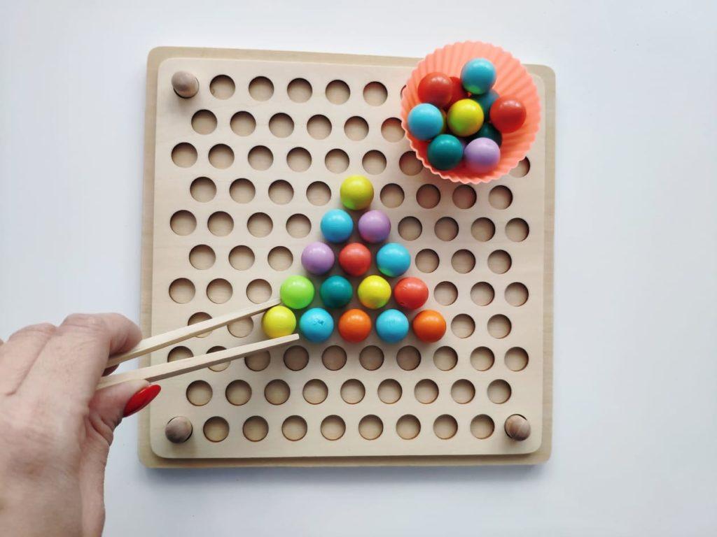 Kreatywna drewniana układanka prezent dla dziecka.